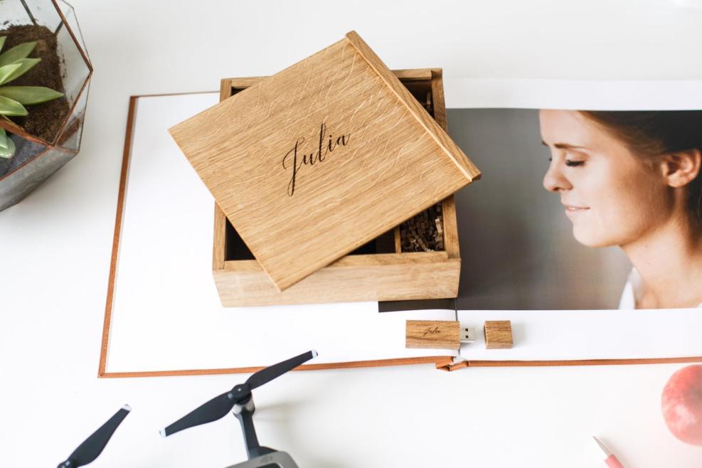 Photographe de mariage: Les 5 Raisons d'offrir un coffret de mariage à vos mariés